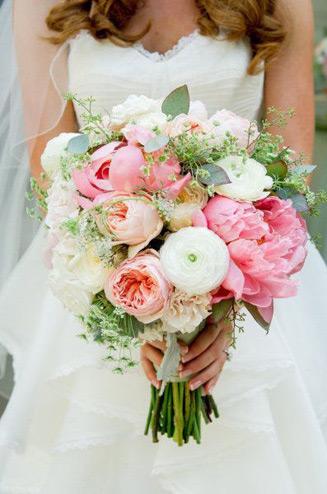 Нежные букеты невесты из пионов, акцент магазин цветов кировский завод