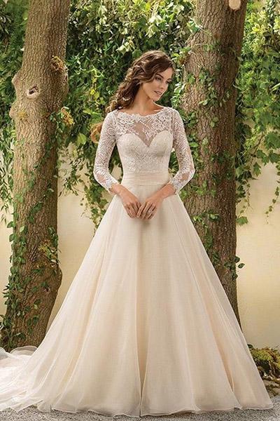 Платье свадебное с кружевными рукавами