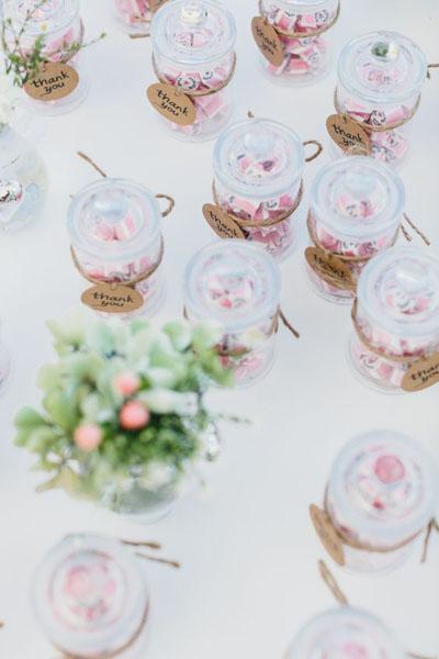 Шуточные подарки гостям на свадьбе