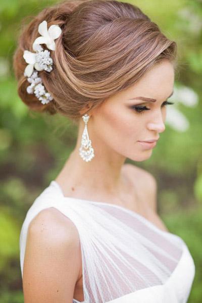 Живые цветы в длинных волосах быстрый заказ цветов красивые цветы и душистые букеты