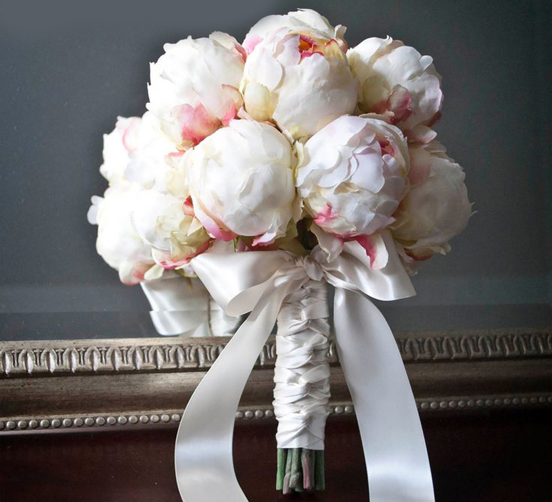 Необычный цветок, цветочные букет из пионами свадебные
