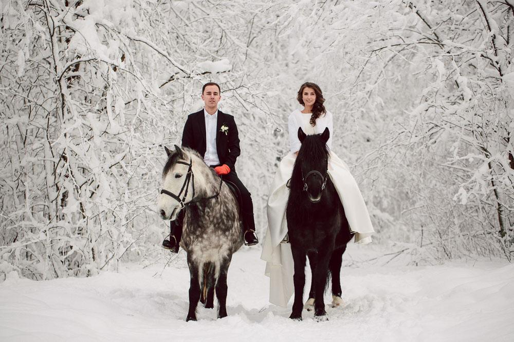 http://dager.ru/img/products/winter/svadebnaya-fotosessia-zimoi-5.jpg