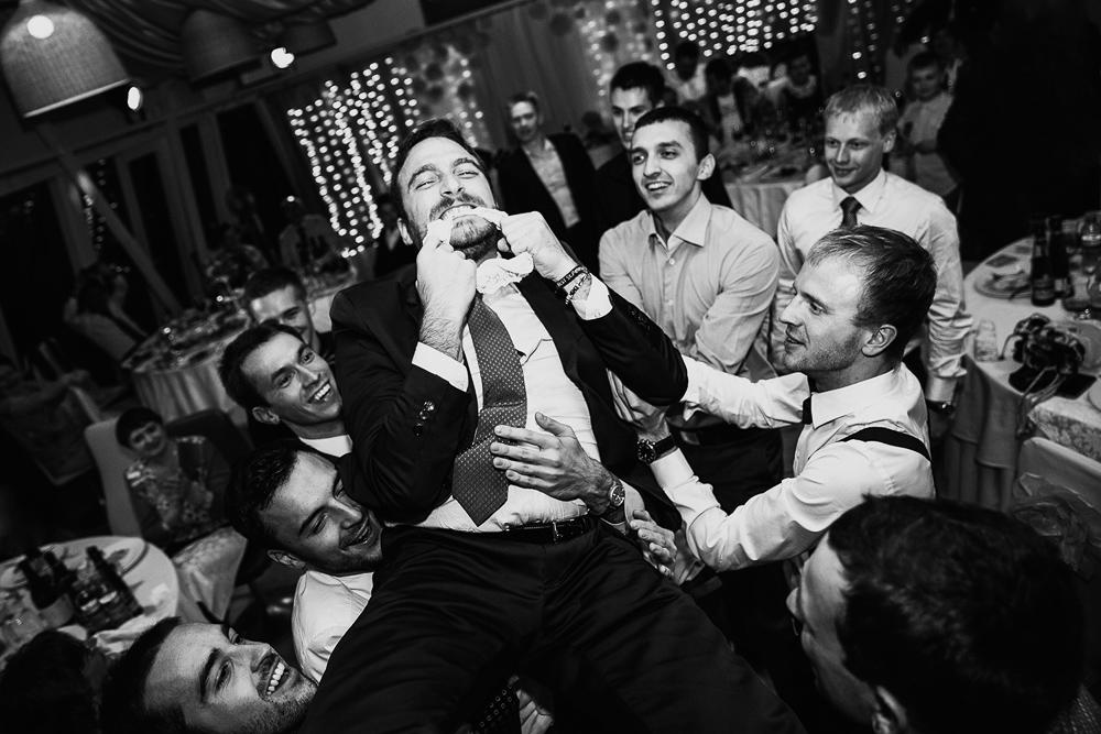 поймал подвязку невесты +свадьба в Иваново